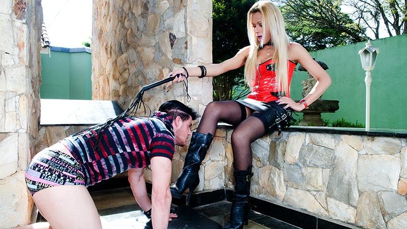 Trans Agatha fez de Alex seu escravo sexual