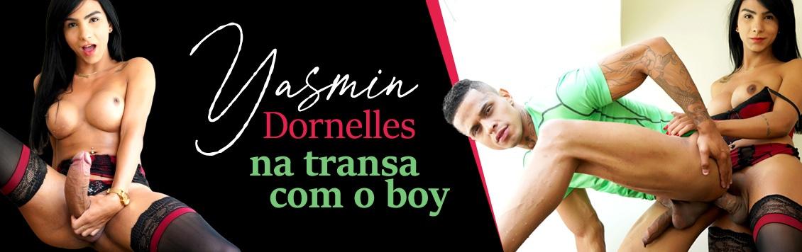 Travesti dotada Yasmim Dornelles transa com o boy