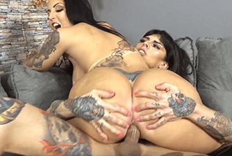 Travesti fode com tesão a rabuda da Elisa Sanches